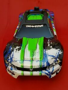 1/10 BRUSHLESS E-REVO 2.0 VXL BODY shell (GREEN Blue cover clipless 86086-4.