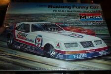 MONOGRAM BILLY MEYERS MUSTANG FUNNY 7/11 CHIEF 1/24 Model Car Mountain KIT FS 85