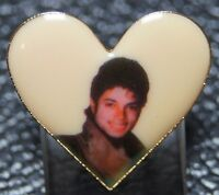 VINTAGE 1980's MICHAEL JACKSON THRILLER PHOTO PORTRAIT PIN - Heart Shaped - Nice