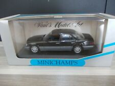 Minichamps 1/43 - Mercedes-Benz E - Class Saloon 1993 - blau schwarz met