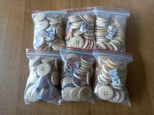 180 x large patterned wood round 30mm buttons crafts sewing joblot