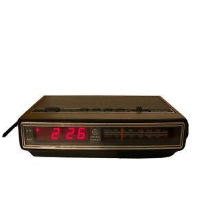 Vintage 90s General Electric GE 7-4625C Wood grain AM/FM Alarm Clock Radio WORKS