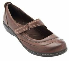 Clarks Leather Medium (B, M) 6 Flats & Oxfords for Women