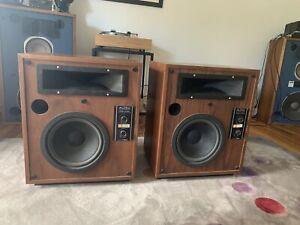 Altec Lansing Model Fifteen Speakers - Excellent sound! Rare Walnut Vintage