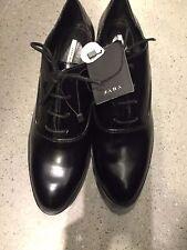 ZARA Black Flat Shoes With Gold Metal Detail Size US8/EU39