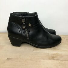 Clarks Black Leather Side Zip Ankle Fashion Boots Bootie Size 6M Style 66773