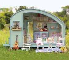 Music Holiday Caravan Handcraft Miniature Project Dolls House Kit lights & tools