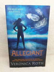 Allegiant - Hardcover with dust jacket Divergent Series book 3 Veronica Roth