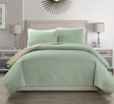 Embossed Reversible Bedspread/Quilt Set