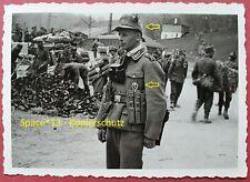 Foto Gebirgsjäger mit MP40 Magazintasche Portrait in Narvik, Wehrmacht Soldat MP