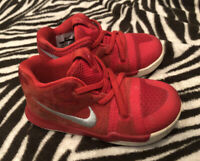 Nike Kyrie 3 TD 869984-600 Toddler Girls Boys Shoes ~Size 7C ~Team Red EUC