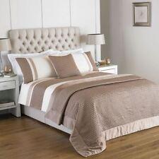 Modern Geometric Three-Piece Bedding Sets & Duvet Covers