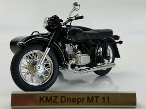 1/24 Atlas KMZ MT11 Motorcycle Model with sidecar combination