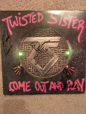 TWISTED SISTER SIGNED VINYL RECORD COA AUTOGRAPHED DEE SNIDER COME OUT AND PLAY