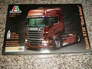 Maquette Scania R730 black amber neuf, ech 1/24marque italeri