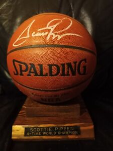 Scottie Pippen Signed Spalding Basketball With Stand