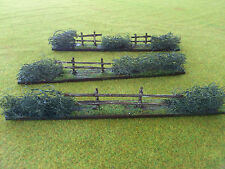 wargames scenery / terrain 20 to 28 mm scale 10 x Fence/ hedges in A4 box