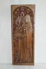 """Sculpture en bois médiéval """" femme à la corbeille de fruits"""" signée Robert RAPP"""