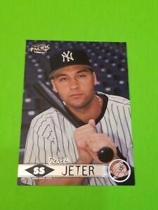 1999 PACIFIC #294A DEREK JETER NEW  YORK YANKEES NR.MINT