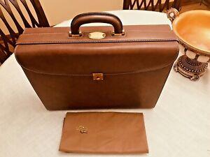 Authentic GUCCI of MILANO  Brown Leather Lawyer Briefcase / Attache - ITALIA