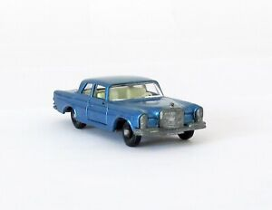 Vintage Lesney Matchbox #46 Mercedes Benz 300SE Regular Wheels NEAR MINT 1968