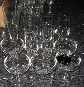 11 MIXED SIZE AND SHAPE RETRO VINTAGE CHAMPAYNE GLASSES - GREAT CONDITION