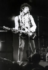 JIMI HENDRIX POSTER PAGE . 1967 MONTEREY POP FESTIVAL . J44