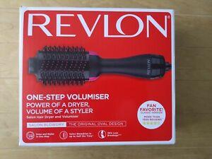 REVLON Pro Collection Salon One Step Hair Dryer and Volumiser Brush