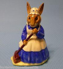 "Royal Doulton Mrs. Bunnykins ""Clean Sweep"" Figure Db6"