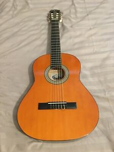 NEW  - PRICE REDUCTION -  TANGLEWOOD 3/4 SIZE CLASSICAL GUITAR