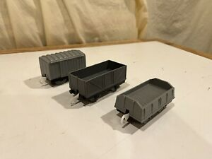 TOMY Gray Boxcar and Cargo Cars for Thomas and Friends Trackmaster