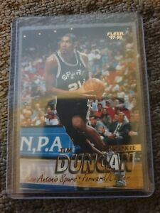 1997-98 Fleer Tim Duncan NBA basketball card. ROOKIE CARD. NICE. HOF!!