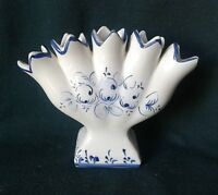 LEART VASE ART DECO ELPA ALCOBACA EARTHENWARE BUD VASE HAND PAINTED BLUE & WHITE