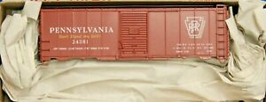 HO Scale - ACCURAIL 81281 PENNSYLVANIA RR 40' Riveted Steel Boxcar # 24381 - KIT