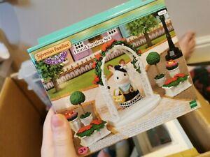 Brand New Sylvanian Families 5361 Floral Garden Set