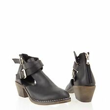 Women's Report Angelina Shoes Black Man Made Cutout Ankle Boots Size 6 M NEW!
