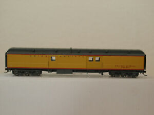 Walthers H0 932-10508 AFC 70' Heavyweight Baggage Car UP in OVP