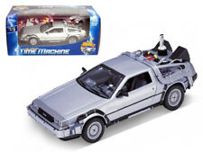 DELOREAN BACK TO THE FUTURE 2 1:24 DIECAST MODEL CAR BY WELLY 22441