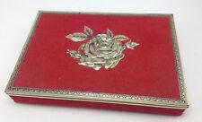 Ancienne boite en fer blanc decor de rose feutrine rouge