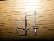 3 verschiedene Waffen Schwerter Britains Swoppet Ritter, Weapons Britains Knight