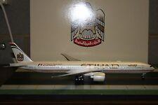 JC Wings 1:200 Etihad Boeing 777-300ER A6-ETQ (XX2960) Die-Cast Model Air-Plane