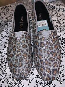 TOMS Silver Glitter Cheetah Print Size 11