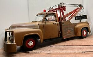 1953 Ford Tow Truck 1/18 Diecast Weathered Rusty Junkyard Barn Find ! Nice!