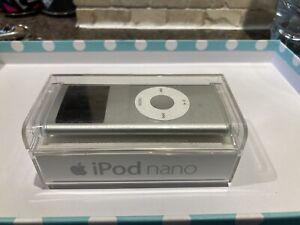 Apple iPod Nano - 2nd Generation - Silver 2GB - A1199 - Faulty