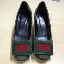 ausm REPRICED AUTHENTIC ROGER VIVIER SUEDE PUMPS
