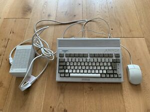 Commodore Amiga 600 with 1MB RAM Expansion and 512MB Flash Drive - Working