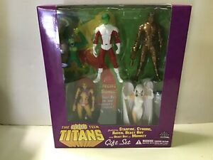 DC Direct THE CLASSIC TEEN TITANS BOX GIFT SET Beast Boy Raven Starfire Cyborg