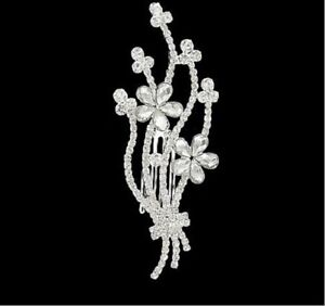 ATTRACTIVE FLOWER HAIR COMB IN CLEAR RHINESTONES