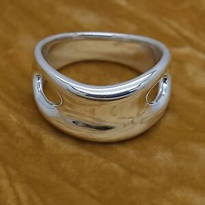 Tiffany & Co. Elsa Peretti Size 7 Sterling Silver Open Side Ring Italy