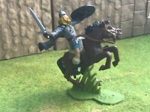 DSG Argentina mounted Viking warrior.Plastic toy soldier 60 mm